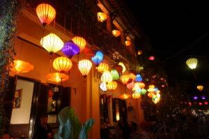 Hoi An - Leuchtende Laternen überall