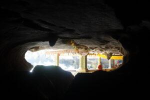 Phnom Kampong Trach Höhle: Licht am Ende des Tunnels