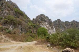Phnom Kampong Trach Höhle: Berg von außen