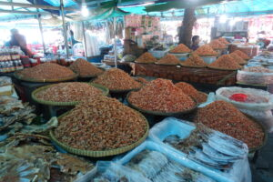 Krabbenmarkt in Kep