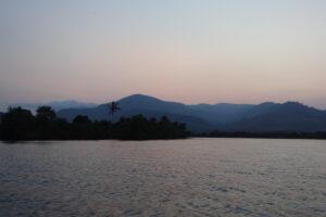 Schiffsfahrt in Kampot